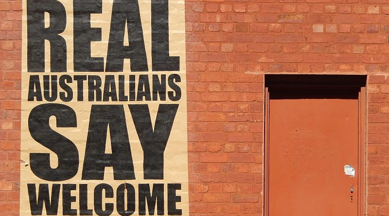 Photo saying Real Australians Say Welcome
